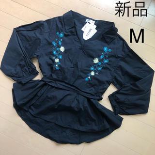 新品 お花の刺繍入り ペプラム 長袖 シャツ M ブラウス ブラック 黒(シャツ/ブラウス(長袖/七分))