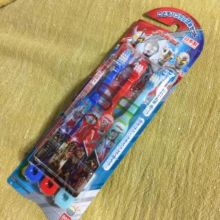 バンダイ(BANDAI)のウルトラヒーローズ こどもハブラシ3本セット(歯ブラシ/歯みがき用品)