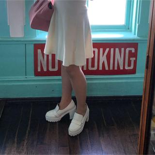 フレイアイディー(FRAY I.D)の厚底 ローファー fray i.d ホワイト (ローファー/革靴)