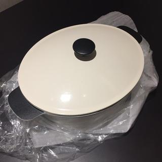 イケア(IKEA)の【IKEA -イケア-】SENIOR キャセロール ふた付き ホワイト 5 l(鍋/フライパン)
