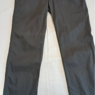 ストーンアイランド(STONE ISLAND)のストーンアイランドのズボンです。(ワークパンツ/カーゴパンツ)