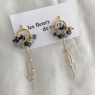 ビューティアンドユースユナイテッドアローズ(BEAUTY&YOUTH UNITED ARROWS)のgold× Black bees long pierce/earring(ピアス)
