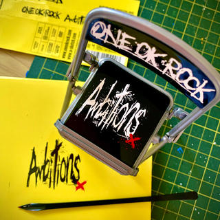one ok rock スマホスタンド パイプ椅子 ambitions 1点(ミュージシャン)