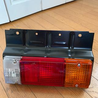 日野自動車 2020年 デュトロ テールランプ  新品未使用(トラック・バス用品)