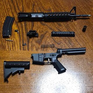 ミニチュアガン M4 (モデルガン)