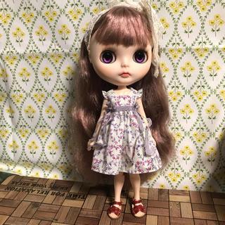 小さな袖のワンピース  12(人形)