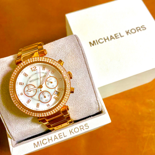 Michael Kors - 【美品‼︎】マイケルコース クロノグラフ腕時計 ピンクゴールド シェル文字盤🎀