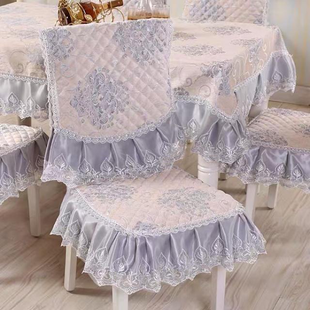 ゴージャステーブルカバー 椅子カバーセット インテリア/住まい/日用品の椅子/チェア(その他)の商品写真