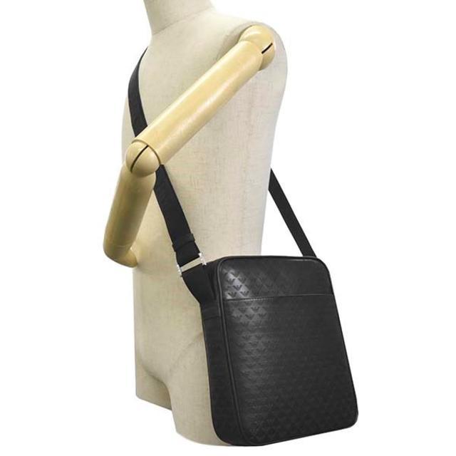 Emporio Armani(エンポリオアルマーニ)の新品未使用E.アルマーニ Y4M155 YC043 80001 ナナメガケ BK メンズのバッグ(ショルダーバッグ)の商品写真
