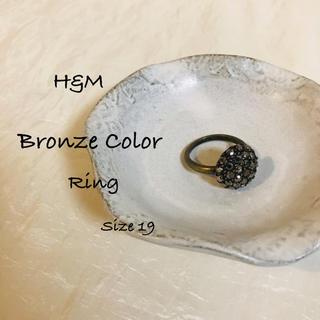 エイチアンドエム(H&M)の✶ H&M  アンティークゴールド色 ビジューリング Size 19 ✶(リング(指輪))