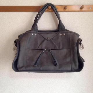 アッシュペーフランス(H.P.FRANCE)のコーネリアンタウラスのバッグ(ショルダーバッグ)