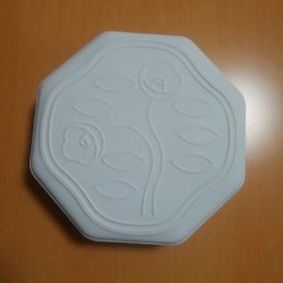 シセイドウ(SHISEIDO (資生堂))の資生堂パーラー花椿ビスケット 限定缶ホワイト 空き缶(小物入れ)