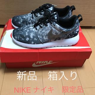 ナイキ(NIKE)の新品 NIKE WMNS ROSHE ONE 桜柄 レア ナイキ限定品 24cm(スニーカー)
