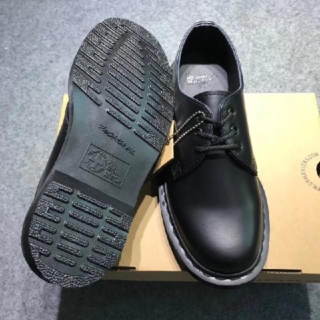 Dr.Martens(ドクターマーチン)のDr. Martensドクターマーチン1461 3ホールシューズ 黒 uk8 メンズの靴/シューズ(ブーツ)の商品写真