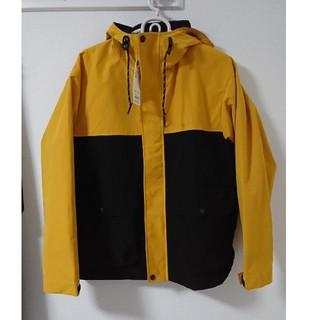 ジーユー(GU)のGU完売商品マウンテンパーカーメンズMカラーブロック黒黄イエローブラック (マウンテンパーカー)