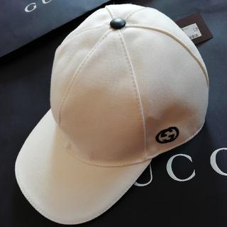 Gucci - 正規店購入 グッチ GG刺繍 ベースボールキャップ 白 新品、保存袋付き