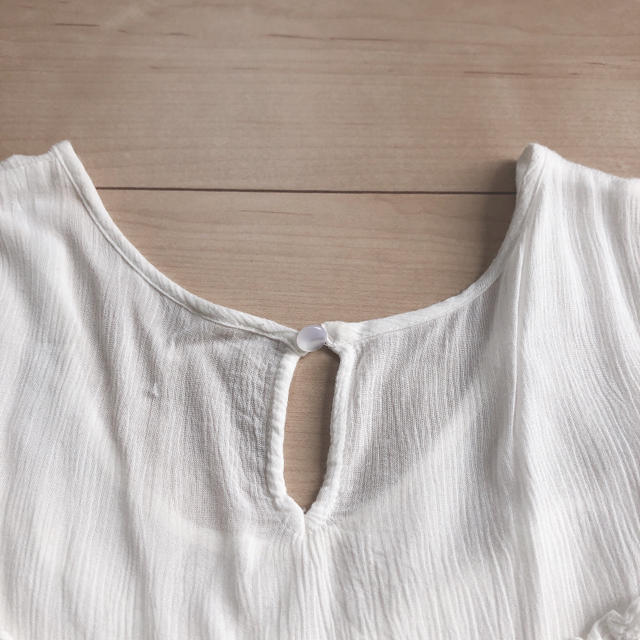 JEWELIUM(ジュエリウム)のレーヨン生地 肩あき トップス レディースのトップス(カットソー(半袖/袖なし))の商品写真