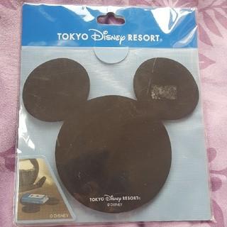ディズニー(Disney)のミッキー型滑り止め(車内アクセサリ)