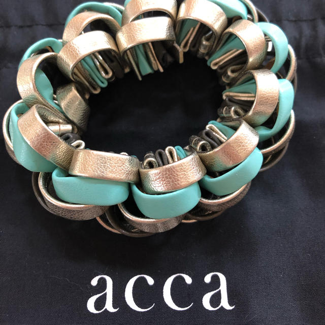 acca(アッカ)のacca   シュシュ  専用です! レディースのヘアアクセサリー(ヘアゴム/シュシュ)の商品写真