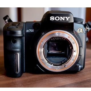 ソニー(SONY)の(極美品)ソニーデジタル一眼レフカメラDSLR-A700(デジタル一眼)