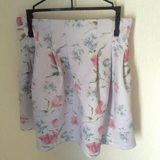 ダズリン(dazzlin)のダズリンのチューリップ柄スカート(ミニスカート)