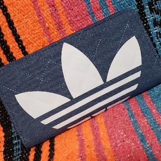 アディダス(adidas)のadidas デニム キルティング ラウンドファスナー 長財布 ウォレット(財布)