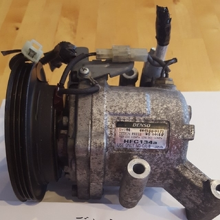ダイハツ(ダイハツ)のタントカスタム LA600Sエアコンコンプレッサー(車種別パーツ)