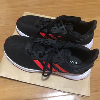 アディダス(adidas)のアディダス adidas スニーカー 黒 赤 24.5(スニーカー)