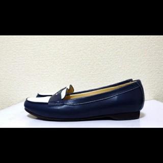 ダイアナ(DIANA)の22.5cm*美品*DIANA WELL FIT ローファー フラットシューズ(ローファー/革靴)