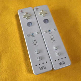 ウィー(Wii)のWiiリモコンホワイト 2本セット(その他)