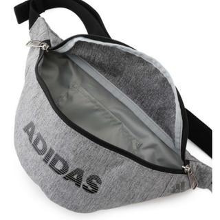 アディダス(adidas)のadidas ウエストポーチ/ボディバッグ ライトグレー 新品未使用品(ボディバッグ/ウエストポーチ)