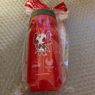 コカコーラ(コカ・コーラ)のコカコーラ・スクイズボトル赤(ノベルティグッズ)