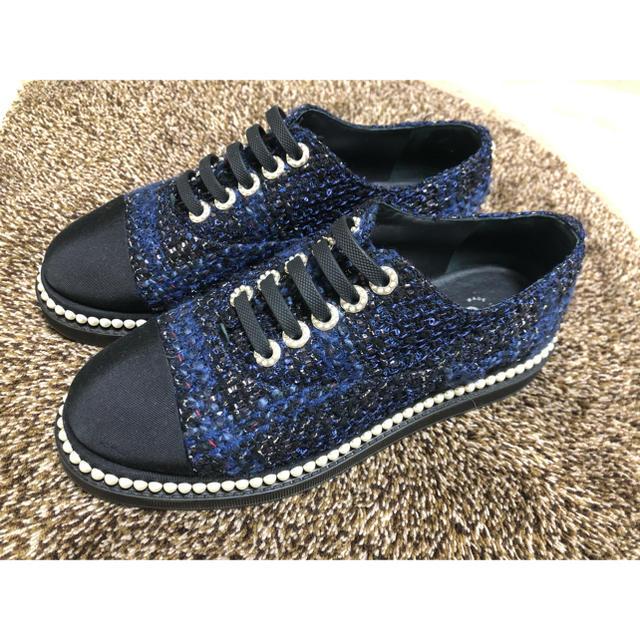 CHANEL(シャネル)のCHANEL シャネル パール ツイード  スニーカー レディースの靴/シューズ(ローファー/革靴)の商品写真