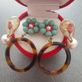 ☆ピアス2点セット 真珠、スワロフスキー&アンティーク ビーズ  お花(ピアス)