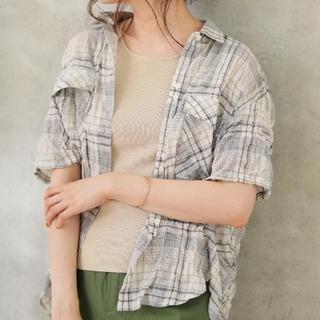 アウィーエフ(AuieF)のGready Brilliant ウォッシュミニタリーシャツ(シャツ/ブラウス(半袖/袖なし))