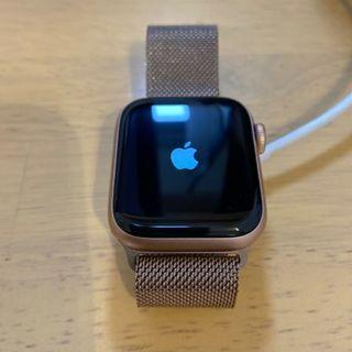アップルウォッチ(Apple Watch)のApple Watch Series 5 (GPSモデル) - 40mmゴールド(スマートフォン本体)