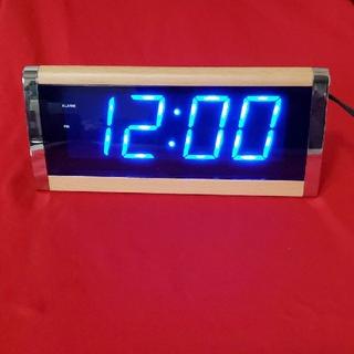 イデアインターナショナル(I.D.E.A international)のイデア インターナショナル 木目調 デジタル時計(置時計)
