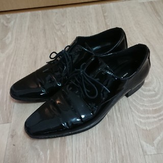 ザラ(ZARA)のZARA フラットシューズ ブラック(ローファー/革靴)
