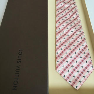 ルイヴィトン(LOUIS VUITTON)の美品 ルイヴィトン  モノグラム  ピンク(ネクタイ)