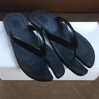 マルタンマルジェラ(Maison Martin Margiela)の20SS新品42 メゾン マルジェラ 足袋 サンダル tabi タビ 黒 メンズ(ブーツ)