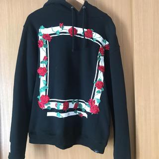 エルヴィア(ELVIA)のelvira パーカー hoodie 薔薇 バラ 刺繍 M black エルビラ(パーカー)
