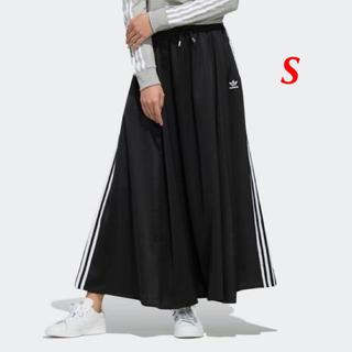 アディダス(adidas)の【レディースS】黒 ロングサテンスカート (ロングスカート)