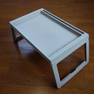 ★折りたたみテーブル 軽量コンパクト 新品 ライトグレイ 送料込み★(折たたみテーブル)