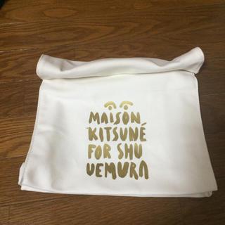 メゾンキツネ(MAISON KITSUNE')のメゾンキツネ シュウウエムラ クラッチ(クラッチバッグ)
