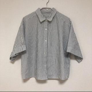 ジーユー(GU)のGU ストライプ クロップドシャツ(シャツ/ブラウス(半袖/袖なし))
