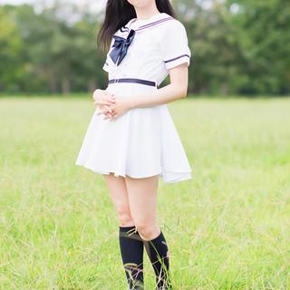 白いセーラー服ワンピースのコスプレ(コスプレ)