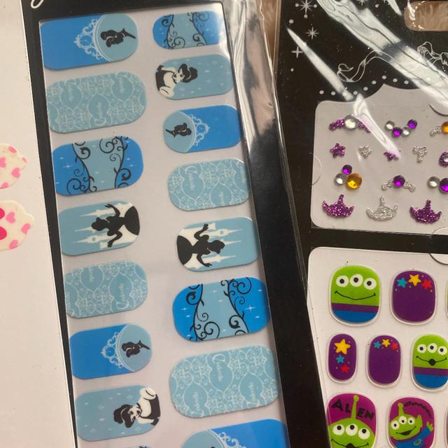 Disney(ディズニー)のディズニー ネイルシール  コスメ/美容のネイル(ネイル用品)の商品写真