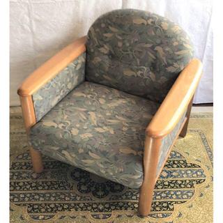 カリモクカグ(カリモク家具)のカリモクの一人用ゆったりソファ(もう一脚分)。。。引取り価格、Kumaさん用(一人掛けソファ)