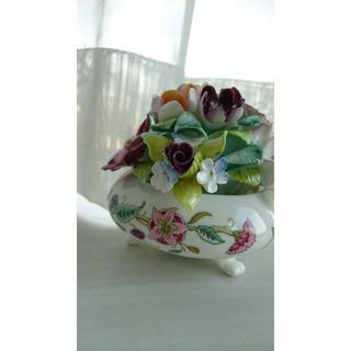 ミントン(MINTON)のミントンとロイヤルドルトンの陶器花飾り(花瓶)