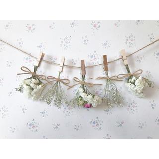 ピンクとホワイトのバラとかすみ草のホワイトドライフラワーガーランド♡(ドライフラワー)